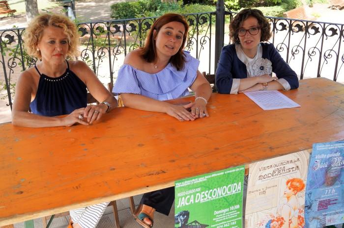 María José Jarne, Olvido Moratinos y Belén Luque, en le Quiosco del Paseo.