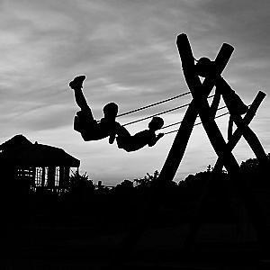 swing-1906569_960_720 (1)