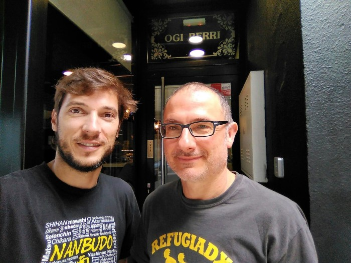 Fernando Gracia y Luis Alonso, voluntarios de la Plataforma pro Refugiados del Alto Aragón