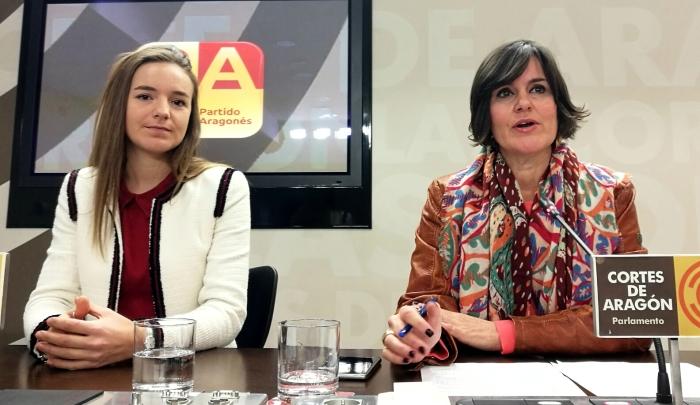 Elena Allué y Lucía Guillén.jpg
