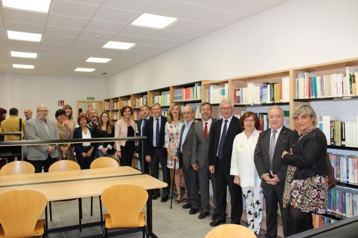 UNED foto familia Bibliotecea (1)